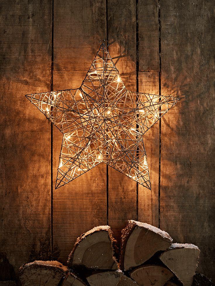 Faux Rattan Light Up Star
