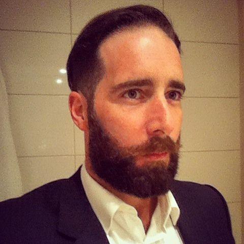 Beard trimming after work! Arreglo de barba despues del trabajo... #beard #beardgrooming #bearded  #trim #barba #beardstyle #beardgrowth #letitgrow #labarba #beardedmen #gentlemen #menstyle #oldschool by amerinoballart