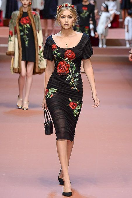 models-fashion111:  Gigi Hadid at Dolce and Gabbana Fall 2015 fashion show - Milan fashion week.