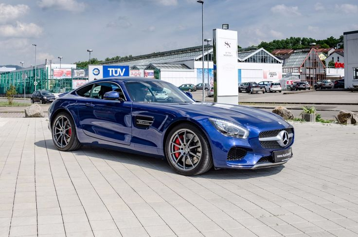 MERCEDES-BENZ AMG GT S NEU SERVICE BURMESTER PANORAMA    -- Export price: 104.455 €--  Stoсk №: B555    Fuel consumption (in town): 9.4 l/100 km | CO2 emissions: 219 g/km | Energy efficiency class: G | Fuel type: Benzin, Super     #mersedes #benz #BRILLANTBLAU #amg #gt #Premiumcars #dubaicars #carforsale  #autoseredingermany