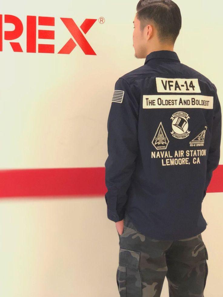 AVIREX梅田店/PATCHED MIL.STRETCH SH VFA-14 VFA-14のストレッチシャツです。 カーゴパンツに合わせれば男らしく着れる1着です。女性がオーバーサイズで着ても可愛いですよ。 色はブラック、カーキ、ネイビーがあります。 2018.1.13 AVIREX梅田店STYLE