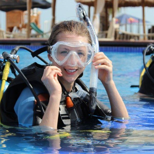 PADI Emergency First Response diving program in Cancun with Diving Center Cancun #Diving #Cancun