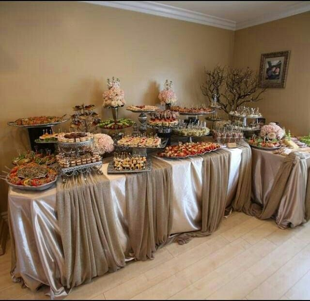 Best 25 buffet displays ideas on pinterest wedding for Ensemble table buffet