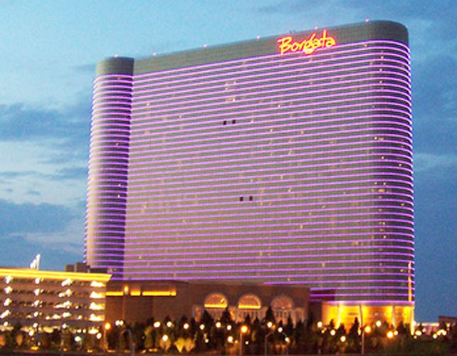 The Borgata Casino In Atlantic City is stopping at nothing until justice is done into the 2012 'edge-sorting' by Phil Ivey and his long-time accomplice Kelly Sun. Although Borgata Casino had initially filed a lawsuit against Phil, Sun, and Gemaco, the casino now feels the accusation was a bit lenient.  During the initial mention of the case, Phil Ivey and Kelly Sun successfully appealed against the accusation leveled against them by the Atlantic City casino. See How Borgata Casino Presses On…