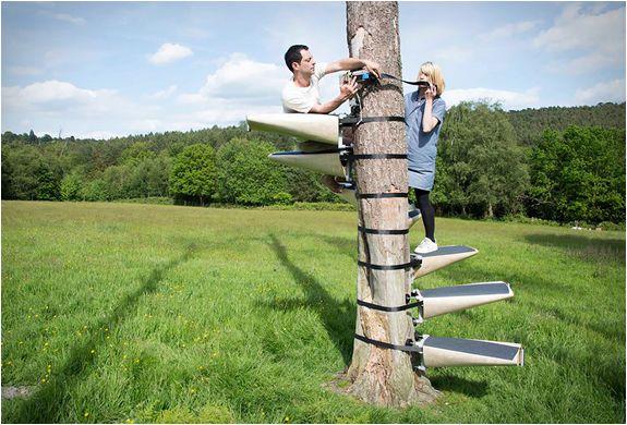 Canopystair est un escalier en colimaçon que l'on peut sangler autour d'un arbre !