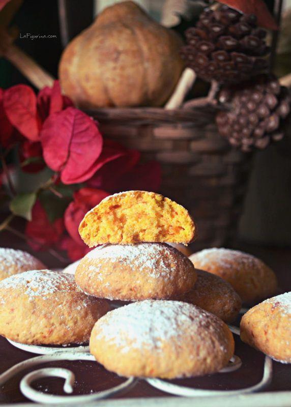 Dolcezze d'autunno! Ecco la mia ricetta per preparare dei biscotti con la zucca http://www.lafigurina.com/2014/10/biscotti-con-la-zucca/