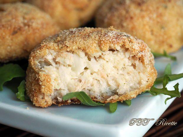 Polpette di cavolfiore con tonno, buonissime, una ricetta da provare! #polpette #cavolfiore #tonno #ricetta #recipe #italianfood #italianrecipe #PTTRicette