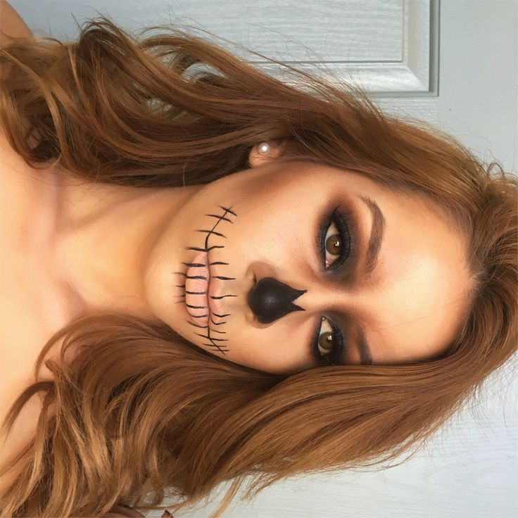 Halloween makeup skull face