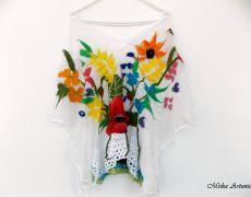 Bluza din matase naturala cu flori de vara impaslite si dantela bumbac