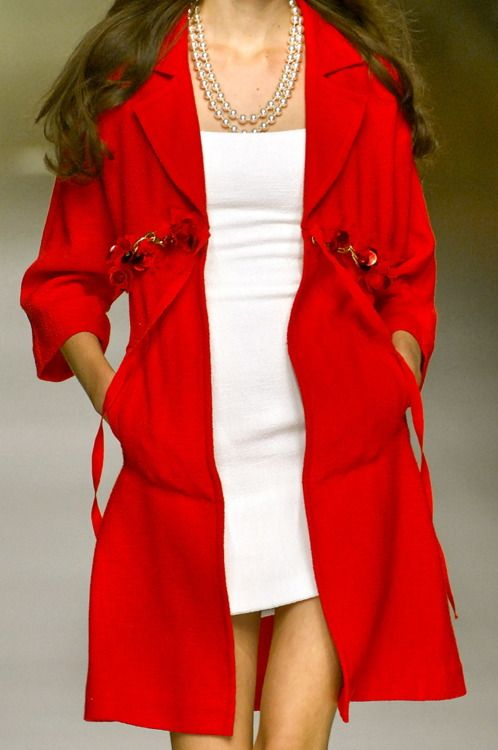 Red, White and also short: Xred Fashion, Short, Pretty Dresses, Style Jackets Coats, Fashion Style, Body Dressings, Red Coats, Glamorous Chic Life, Fashion Red