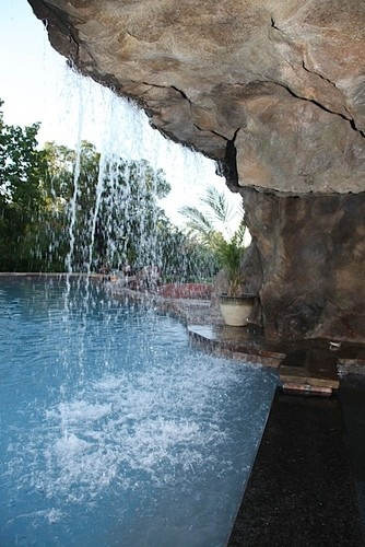 Cox Grotto - traditional - swimming pools and spas - StoneMakers of Central Oklahoma
