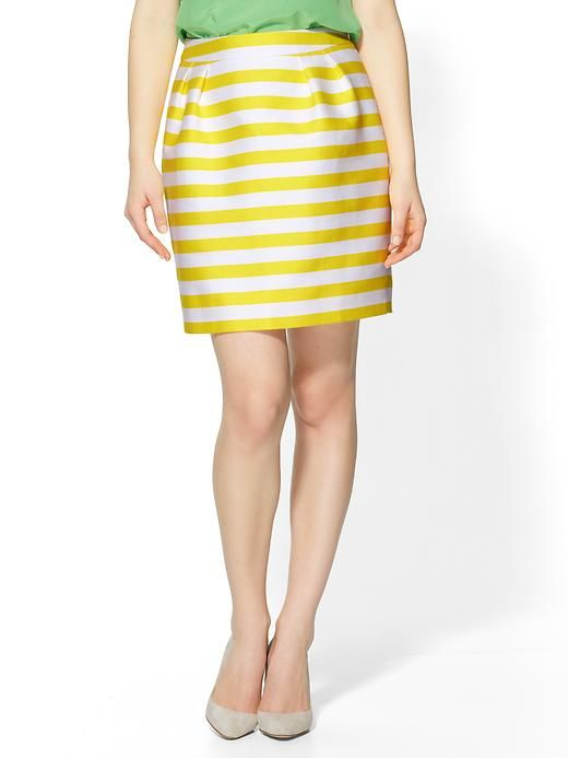 Channel your inner Blair Waldorf with this cutesy tulip skirt by Kate Spade New York <3  http://rstyle.me/~zg92