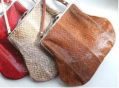 retro frame handbag of pure oganic salmon!