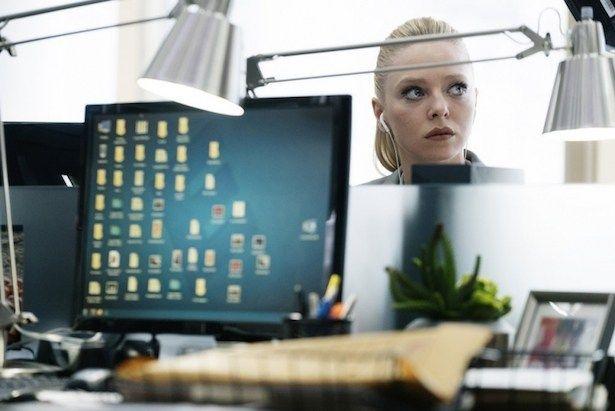 Angela planeja ataque em Mr. Robot - http://popseries.com.br/2016/08/10/mr-robot-temporada-2-eps2-4_m4ster-s1ave-aes/