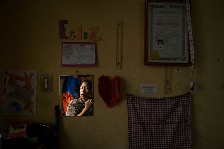 Femicide in Guatemala-009 by: Walter Estrada. An amazing photographer, stunning job.