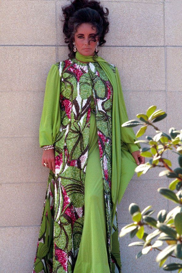 I totally want to wear caftans...