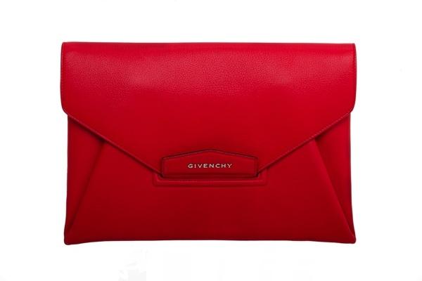 Givenchy Antigona envelope clutch. #NMFallTrends