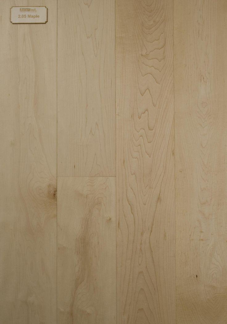 Europees Esdoorn is een fraaie blanke houtsoort met een wit tot crème-achtige kleur die aan het daglicht blootgesteld lichtgeel wordt. Om dit verkleuren tegen te gaan, maakt men gebruik van speciale vernissoorten en/of bleekmiddelen. Tussen kernhout en spint van Esdoorn bestaat geen of weinig kleurverschil. Over het algemeen vertoont het hout een gelijkmatige structuur. Door de levenslooplijnen (groeiringen) is een fijn streepdessin en een bescheiden vlampatroon zichtbaar.