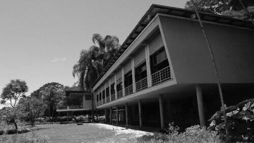 Residência Olivo Gomes / architect Rino Levi.