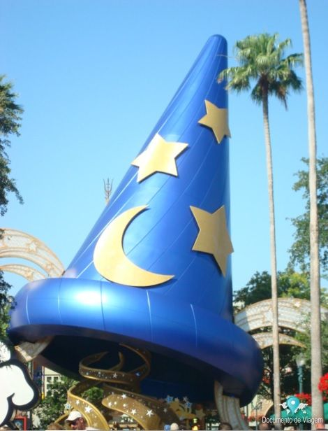 🇧🇷 Orlando é uma cidade da Flórida, é um dos destinos turísticos mais visitados do mundo, as principais atrações são os parques do Walt Disney World e Universal Orlando Resort. 🇺🇸 Orlando is a city of Florida, it is one of the world's most visited tourist destinations, the main attractions are Walt Disney World's parks and Universal Orlando Resort.