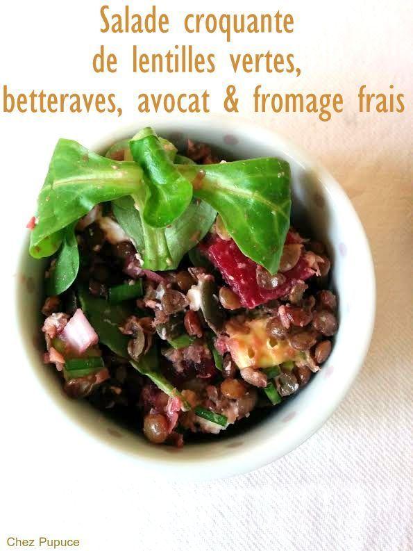 """La photo n'est pas des plus photogénique mais j'ai adoré cette salade!!! Rapide, complète et savoureuse elle a tout pour plaire! Et ravira les vegetariens! Recette inspirée du livre """"boulgour, quinoa & graines germées"""" chez Marabout Pour 3 personnes:..."""