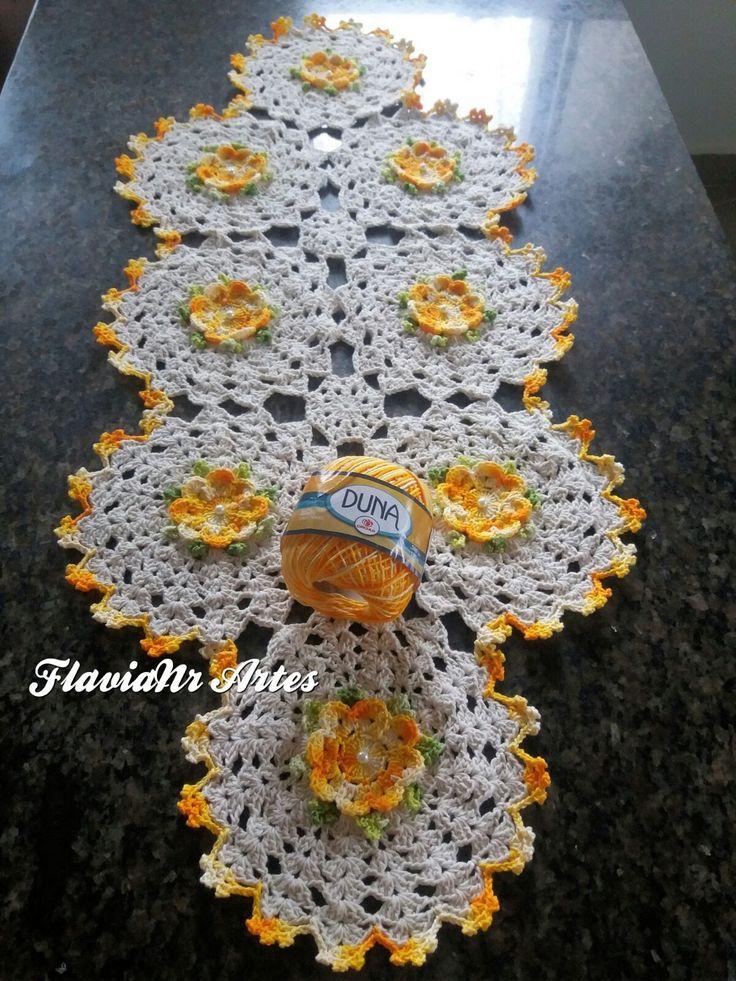 Caminho de mesa floral DIY