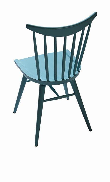 Klasyczne krzesło gięte, wykonane w tradycyjnej technologii opracowanej ponad 150 lat temu przez M. Thoneta. Drewno bukowe