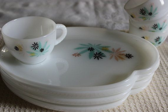 Atomic Snack Plates Cups Set of 4 Vintage by AmeliesFarmhouse, $18.00