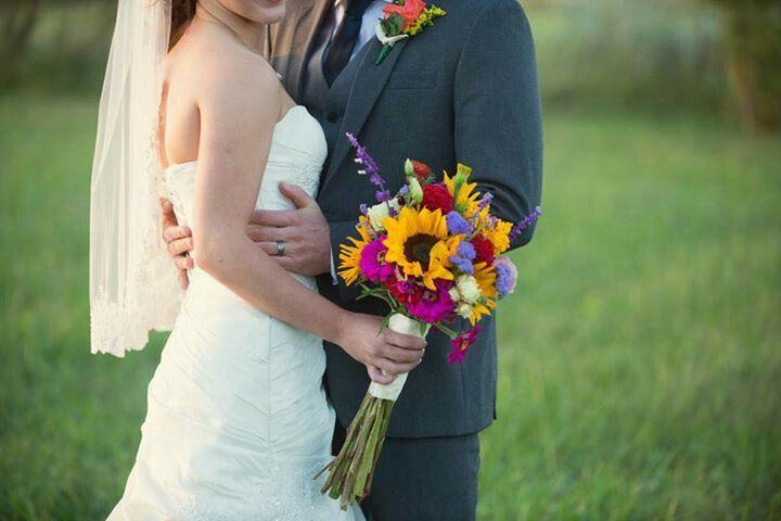 Ridings wedding...Garden Gate Flowers Gentry Arkansas