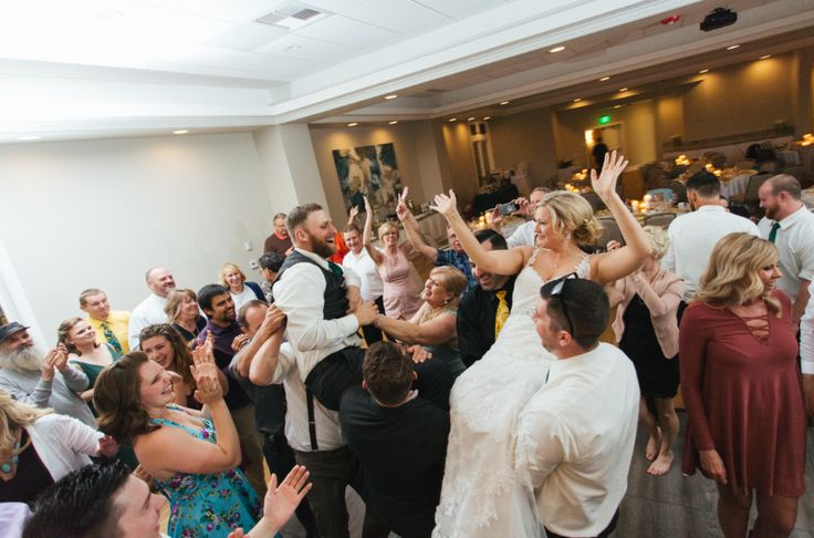 How to Keep Your Wedding Guests on The Dance Floor: http://www.billpencemusic.com/keep-wedding-guests-dance-fl…/ #wedding #dance #dancefloor #weddingfun #billpencemusic #dj #folsom #folsomdj #weddingdj #folsomwedding #reception #weddingreception Folsom, California