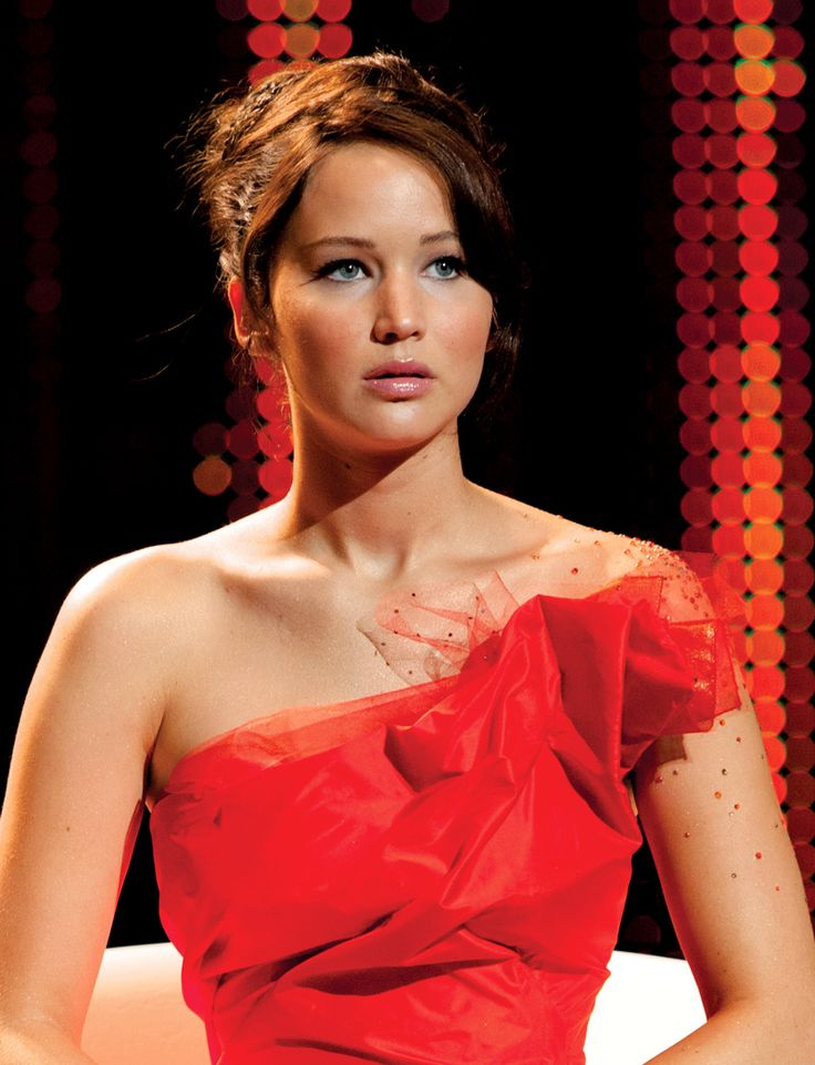 """A FULL breakdown of Ve Neill's stunning makeup design for the gorgeous Jennifer Lawrence in the interview scene from 'The Hunger Games"""". LOVE LOVE LOVE this! (Click the pic for the breakdown...already trying to buy EVERYTHING on this list!)"""