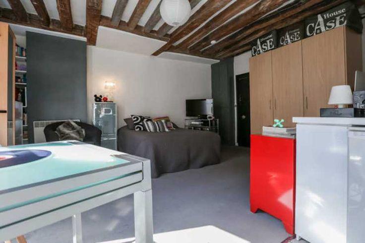 A Paris 3ème , propose 1  chambre à louer – loyer:  820 €