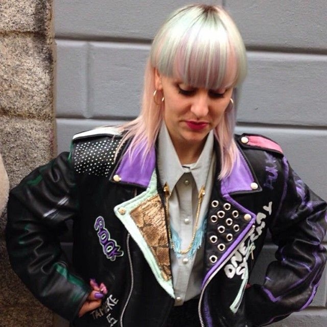 Unicorn Haircolor & Perfect Outfit • Thanks to @moki_pony for the color and @groupiesvintage •