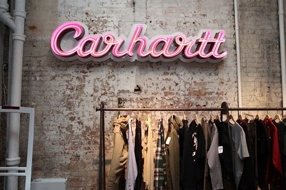 Carhartt Wallpaper: Carhartt Retail Neon Light Signage