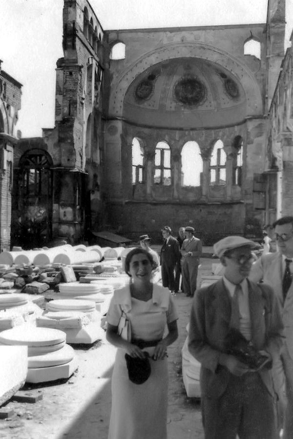 Κυρία με λευκά το 1935 #02