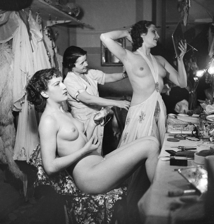 Asian vintagenude showgirls hot lesbian