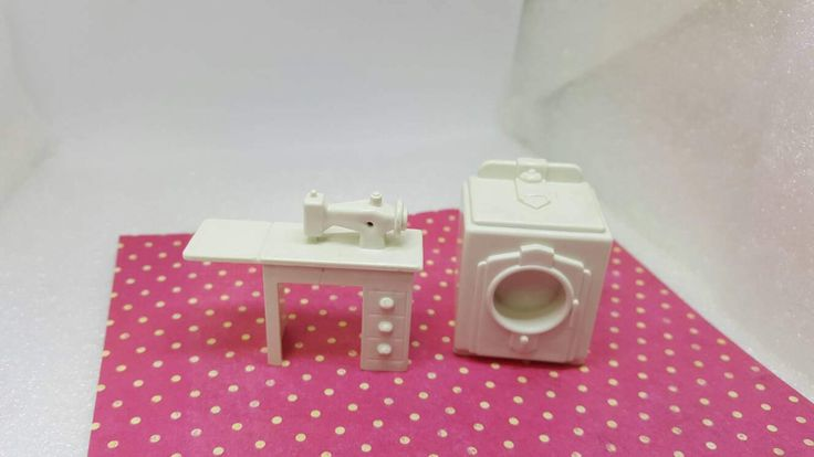 Marx Hard Plastic White Sewing machine Washer Toy Dollhouse Traditional Style #louismarx #miniatures