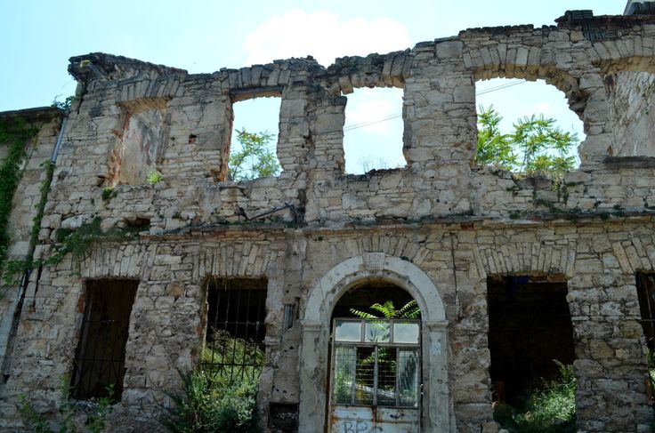 Perełka na mapie Bałkanów - Mostar! więcej na blogu: http://bit.ly/25w8ymD