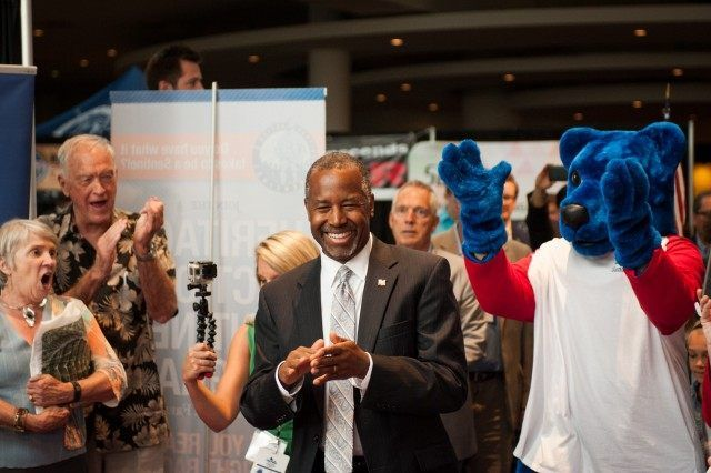 Presidential Candidates Ben Carson and Carly Fiorina tops poll at Conservative Summit In Denver