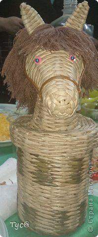 Поделка изделие Новый год Плетение Конь  просто конь  Бумага газетная фото 2