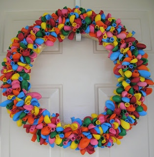 aqua rings cute birthday or special occasion balloon wreath idea  Party Time