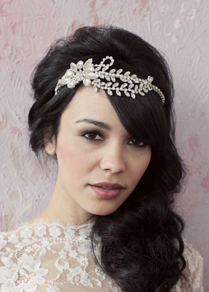 Bride | Romantic dark hair with waves to the side