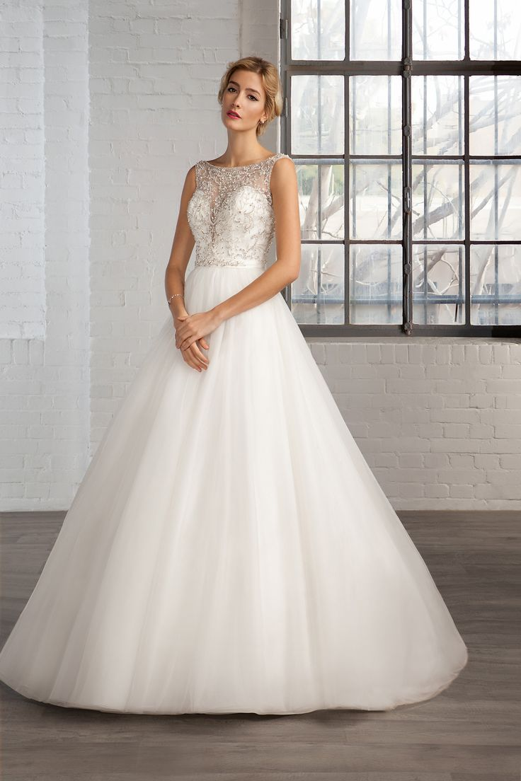 Cosmobella Style 7787: Cosmobella 2016 bridal collection : https://www.itakeyou.co.uk/wedding/cosmobella-wedding-dress-2016 #weddingdress #weddingdresses
