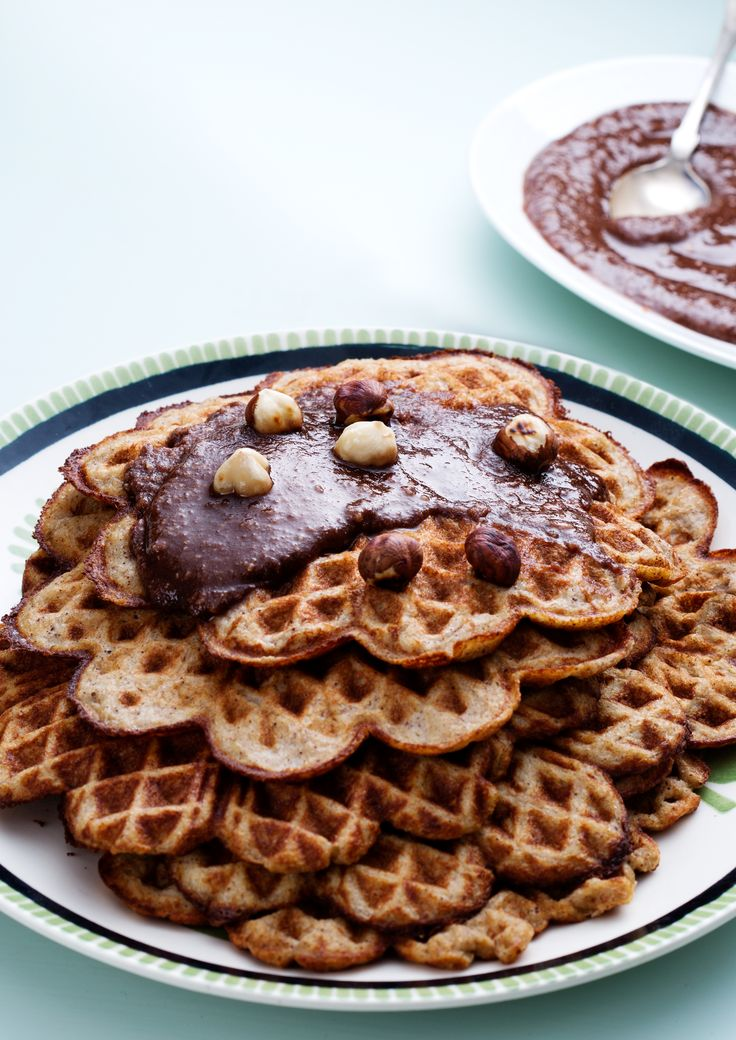 Low-Carb Banana Waffles