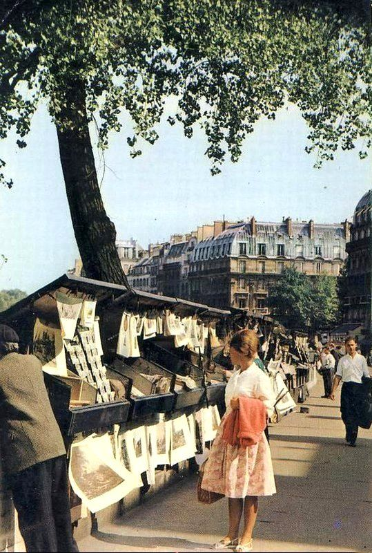 Paris - Les Bouquinistes-Quais de Seine, circa 1960
