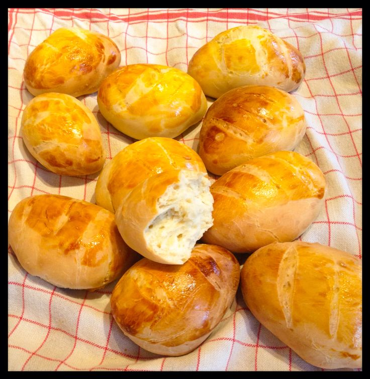 Mes petits pains au lait - little brioche. Yummy!