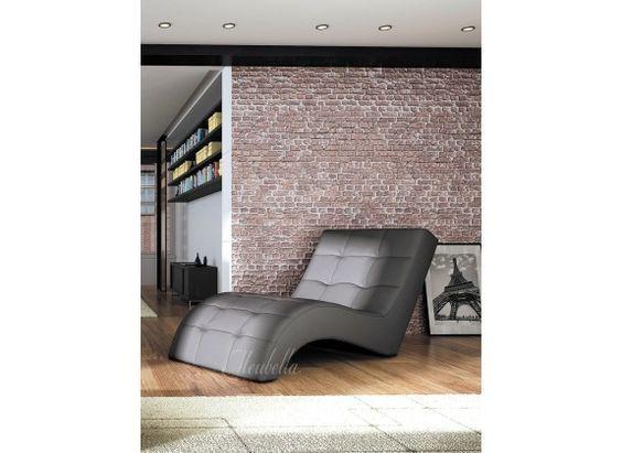 Chaise longue - Lauren - Zwart - Leer. Chaise longue Lauren is een comfortabele lounge stoel. De ligstoel heeft een strakke, kunstleren bekleding. De chaise longue is geschikt voor de woonkamer, speelkamer of zelfs slaapkamer en geeft je inrichting net dat extra luxe.