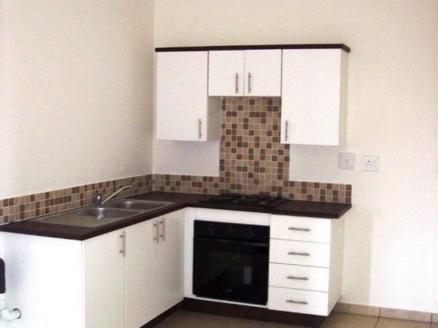 2 bedroom Apartment / Flat to rent in Grand Central  for R 6685 with web reference 103449676 - Smith Anderson Realty