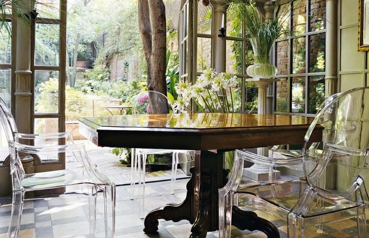 Philippe Starck + Kartell = Louis Ghost   Post by Blog Arredamento