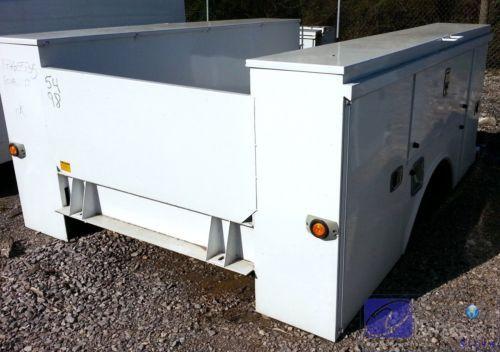 """Gavetero con Cajas de herramientas para camiones de una sola rueda (no dual) en el eje trasero 54"""" Cab-Axle  &  98"""" Largo Total y 78"""" Ancho.    Contáctenos en: info@viccobdirect.com."""